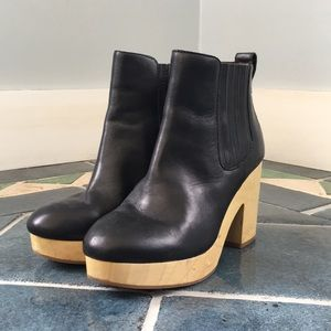 Madewell Marco wooden Chelsea clog boots.